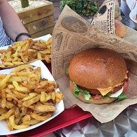Burger vegan et frites maison