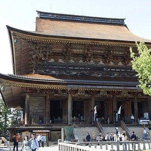 世界遺産・国宝・蔵王堂。