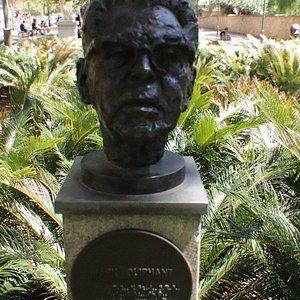 The bust of Sir Mark Oliphant