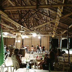 Booze and acoustic session makes this place a perfect spot to chill with friends! Must check it