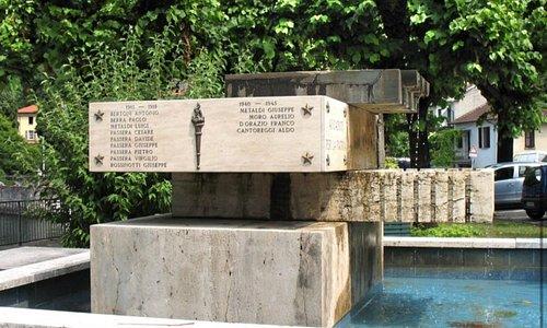 Il monumento ai caduti di Colmegna