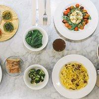 Macchina Pasta Bar es un restaurante inspirado en la pasta italiana.