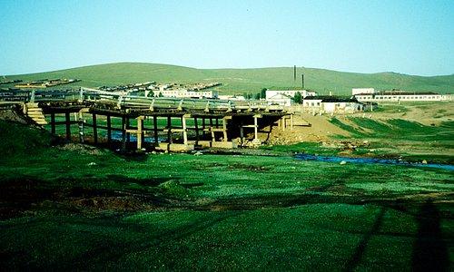 Straßenbrücke über den Khujirt gol