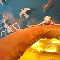 Roald Dahl Children's Gallery - Giant Peach