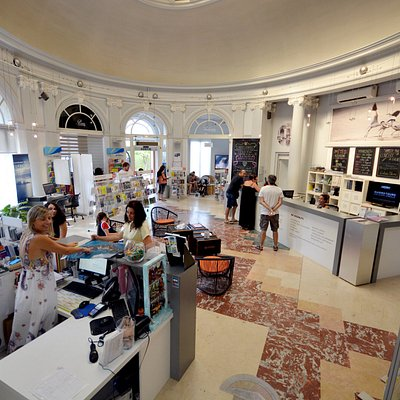 L'intérieur de votre office de Tourisme à Hyères centre-ville