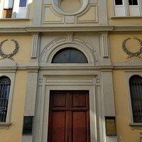 Facade of the Chiesa Avventista Epicopale