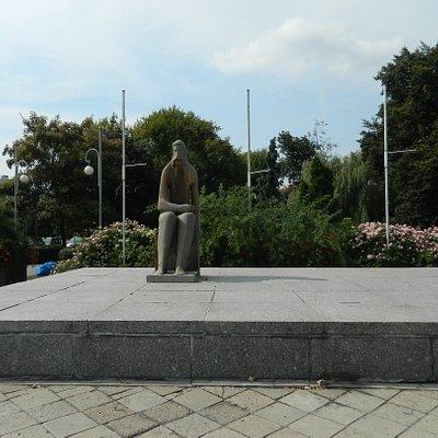 Pomnik Adama Asnyka