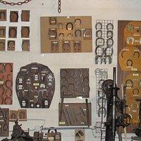 collection de fers pour les chevaux les mulets et les anes