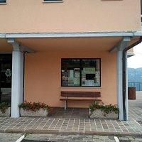 Esterno ufficio turistico di Tonezza