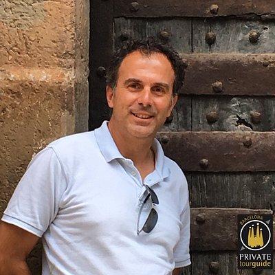 Hi! This is me, Javier Sanchez de Arevalo, your Barcelona Private Tour Guide