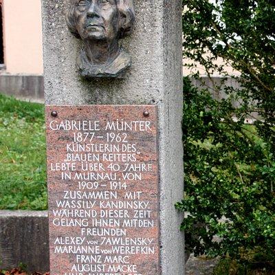 Denkmal von Gabriele-Münter-Platz