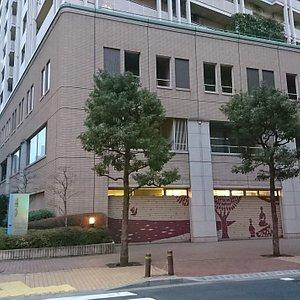京橋プラザの3階にあります