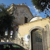 esterno della chiesa trovata chiusa