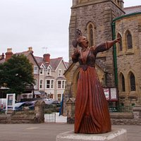 The Queen of Hearts Statue, Llandudno