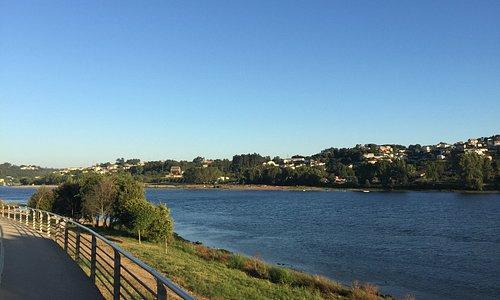 Restaurante Sucesso dos grelhados e suas lindas vistas do Rio Douro proximidades da Ponte do Fre
