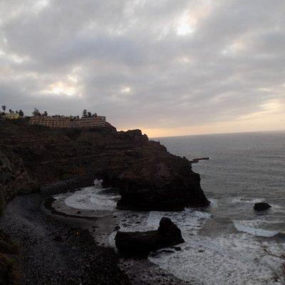 the rocks at Playa de los roques