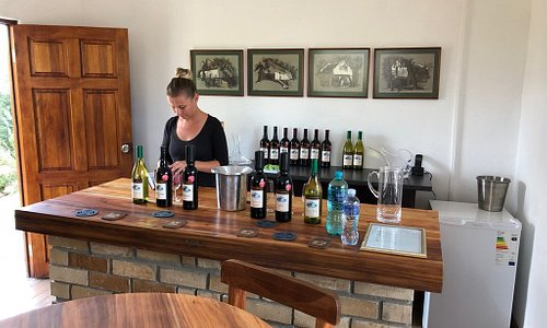 Du'SwaRoo Tasting room. Very stylish and friendly service.
