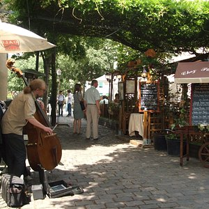 On the Rue Norvins you'll find the Place du Tertre, which connects to the Place du Calvaire & Da