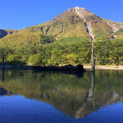 大正池燒岳倒影