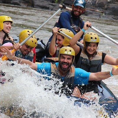 Rafting com amigos