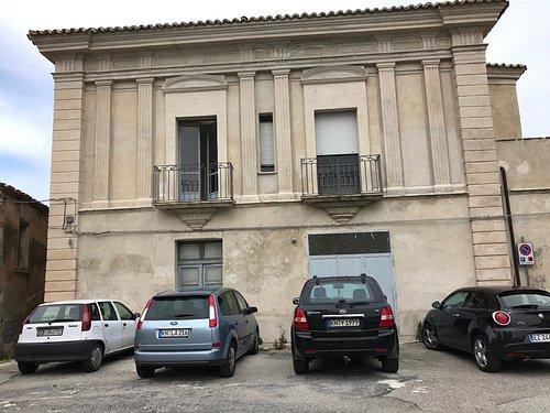 Palazzo vicino Piazza Giudaica