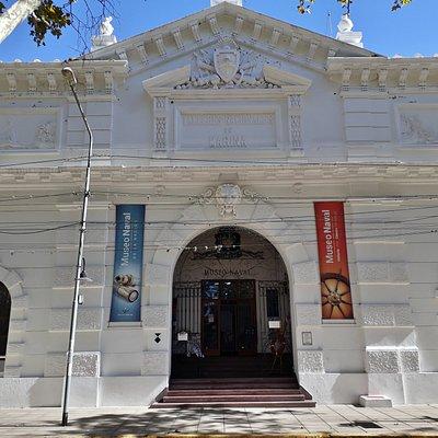 Frente del Museo Naval de la Nación