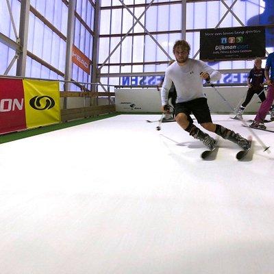 Leren skiën of snowboarden bij Snowlimits Groningen