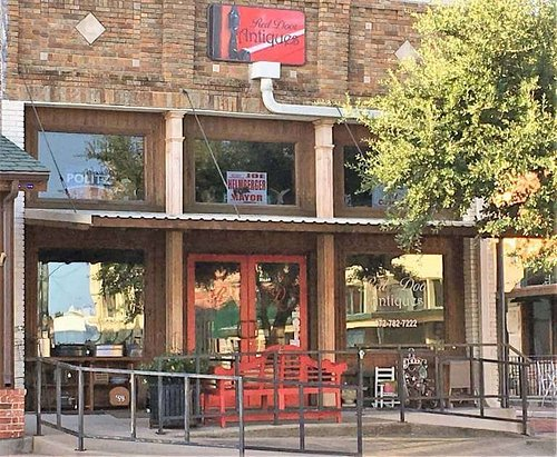 Red Door Antiques is located in the Historic Downtown District of Farmersville, Texas