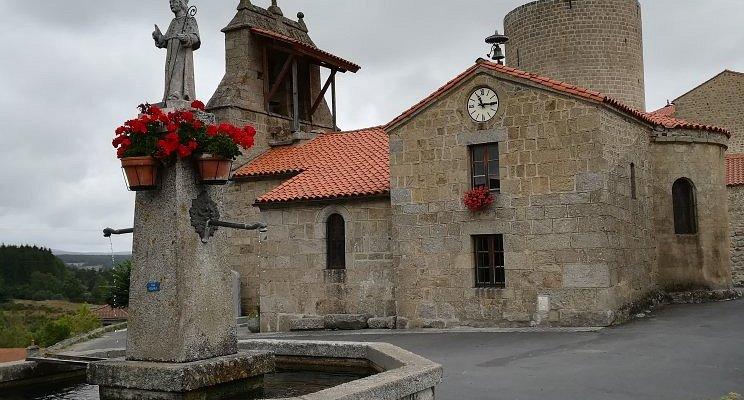 Le village d'Esplantas et son château