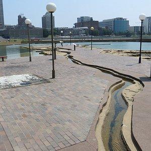 Mississippi River sculpture.  The Delta.