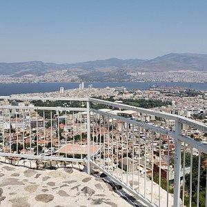 Kadifekale'den İzmir'e bakış