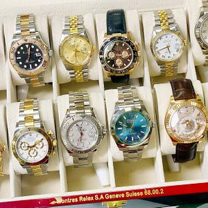 Christmas is coming..... Which one is on your wish list? All watches pictured are available toda