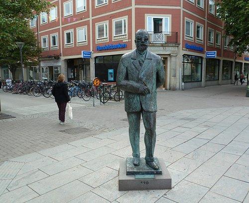 Statyn ''Gustaf Fröding'' i Karlstad