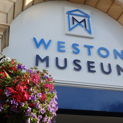 Weston Museum in bloom