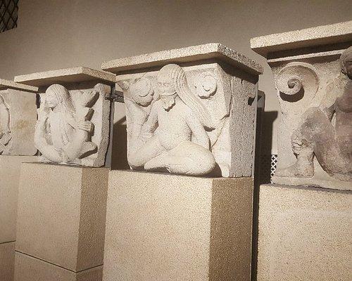 Musei del Duomo metope del Wiligelmo