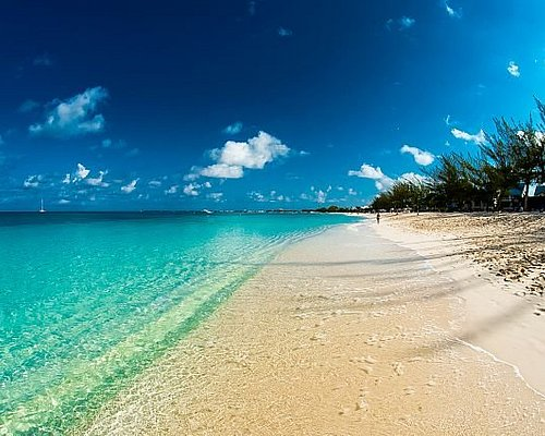The Cayman Island's breathtaking view. Come and Explore Cayman with us