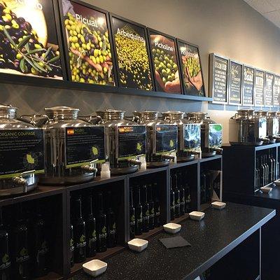 Fresh Premium Extra Virgin Olive Oils from around the globe