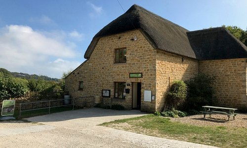 Lorton Meadows Conservation Centre - information, trail guides, gifts, coffees,  toilets & parki