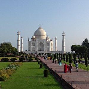 Sunrise tour of Taj mahal 0091 90589 00786