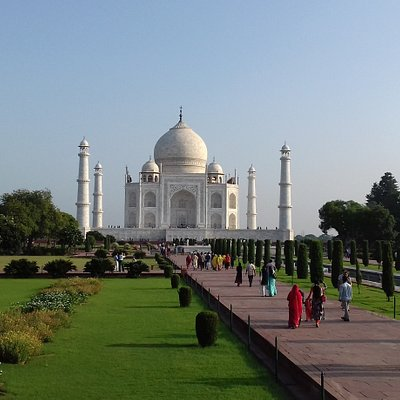 Sunrise tour of Taj mahal 0091 90589 00786