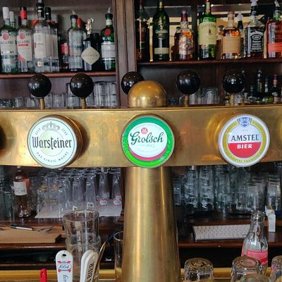 Cafe Sweelinck great place for a cold beer.