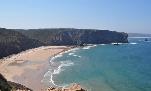 A bela praia da Arrifana