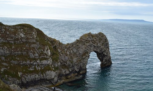 Durdle Door Approx. 20 minutes drive from the Black Dog