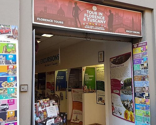 """Julia Agency: """"Florence Tours"""", on Via Camillo Cavour 21 Rosso, 50129 Florence"""