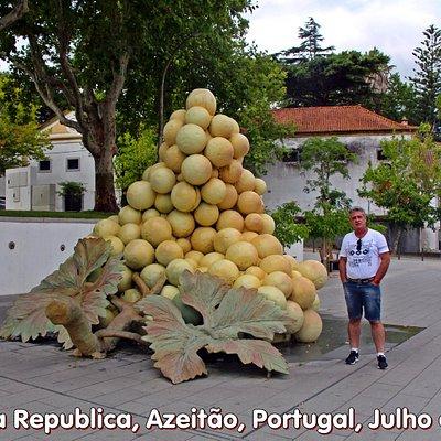 Praça da Republica, Azeitão, Portugal