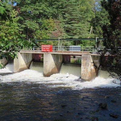 Weir at Historic Brunel Lift Locks