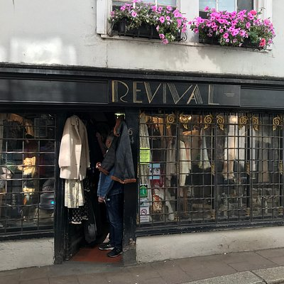 Revival vintage clothing in Totnes