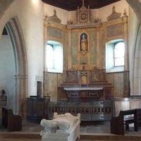 Choeur de l'église et tombeau de Saint Lunaire