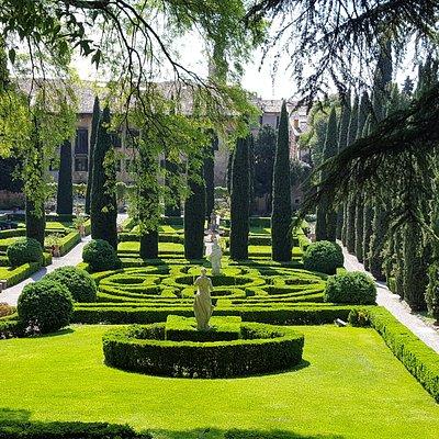 Delightful, tranquil garden
