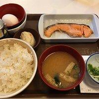 たまかけ鮭朝食